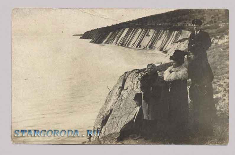 Фото на почтовых открытках. Групповое фото.